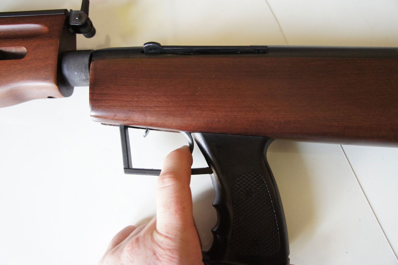 QB57 tuning spustu - moment strzału przed tuningiem